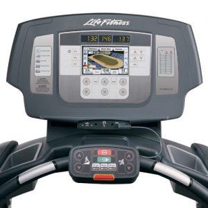 Life Fitness Inspire 95T használt futópad konzol
