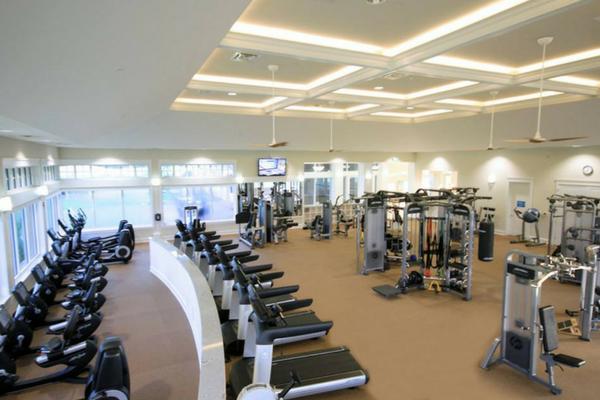 edzőterem. Használt szobabicikli, taposógép, futópad, ellipszis tréner, elliptika, szobakerékpár