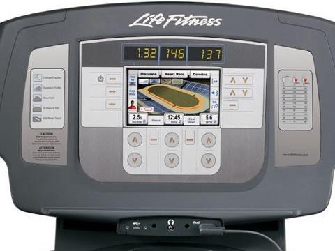 Life Fitness használt futógép konzol