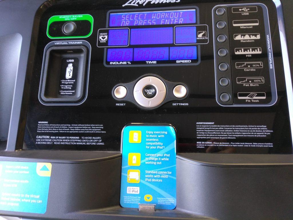 Life Fitness taposógép konzolja