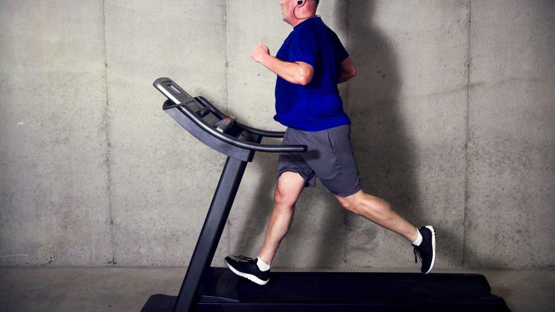 A futópad rendszeres használatával hatékonyan küzdhetünk a túlsúly ellen