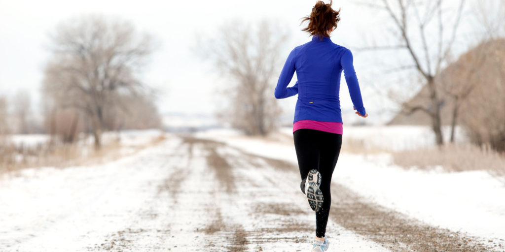 Futóedzés télen, havas úton, vagy futópad otthon?