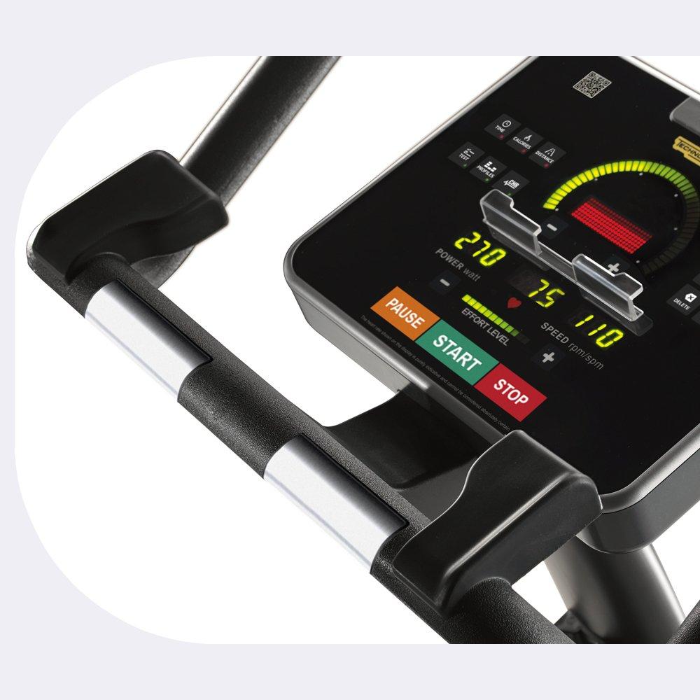 A korszerű Technogym kardiógép figyeli pulzusunk alakulását.