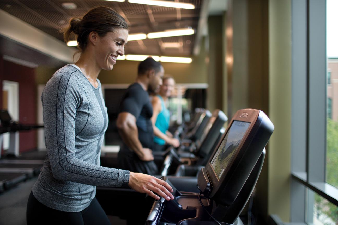 A Life Fitness futópad kiváló eszköz a karácsonykor felszedett kilók eltűntetésére