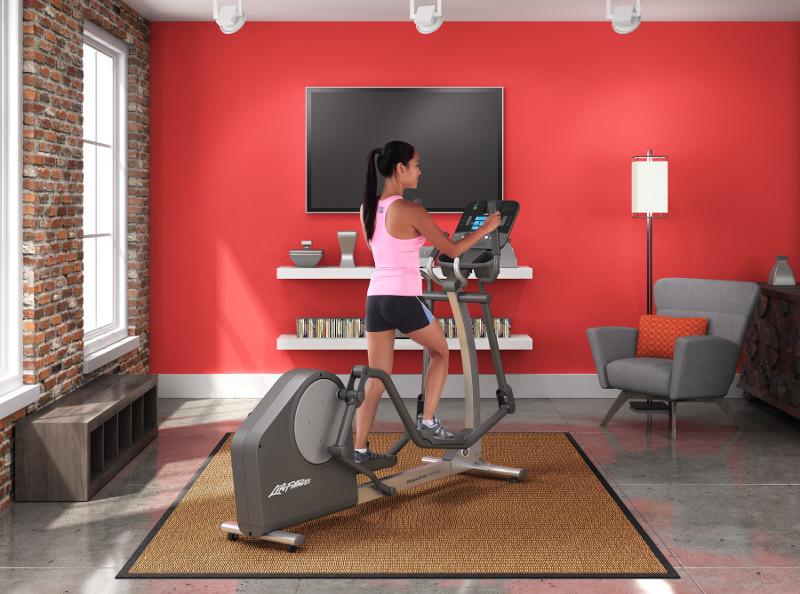 Life Fitness elliptikus tréner