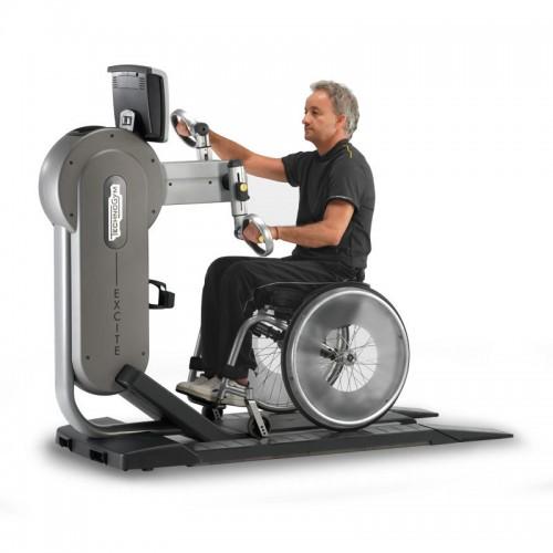 mozgássérültek felső test edzése kézi kerákpárral