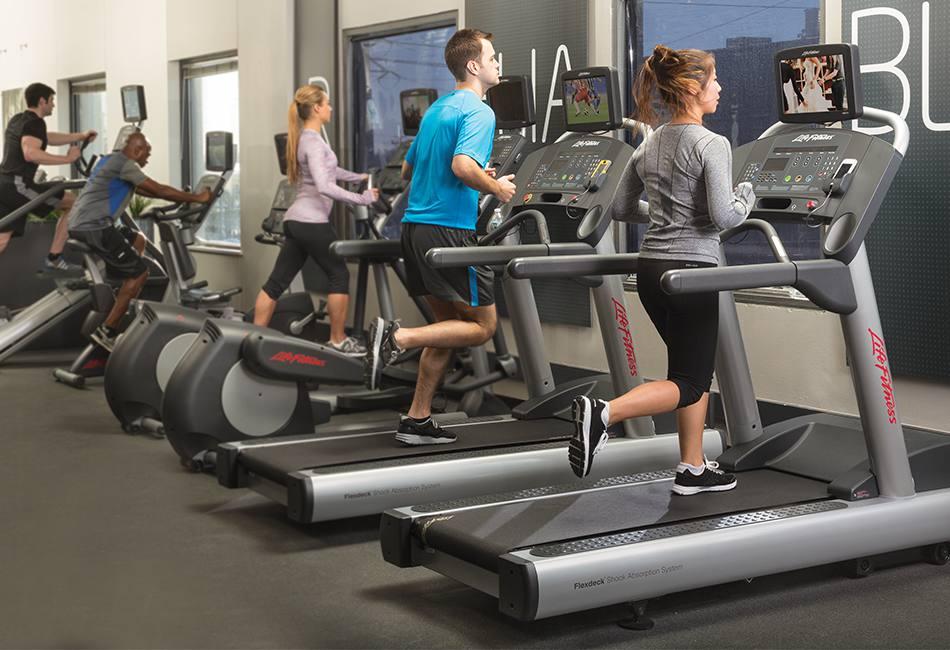 life fitness futópad állóképesség fejlesztésre